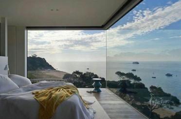Интерьер с видом на море: домашний райский уголок