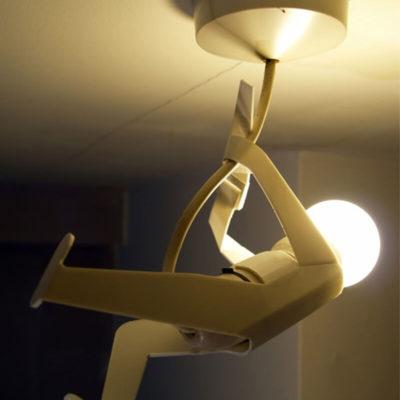 Светильник в виде человечка