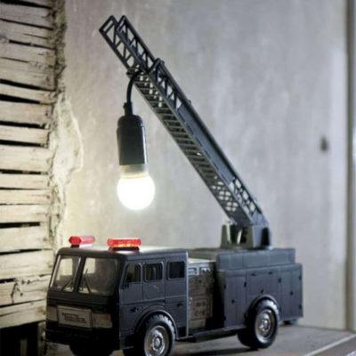 Дизайнерский светильник машина