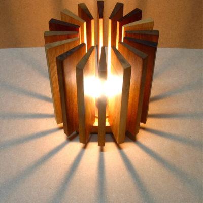 Креативный светильник в спальню