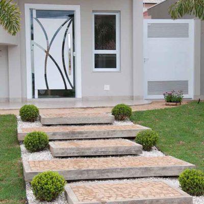 Дизайн дорожек во дворе дома на любой вкус - фото 24