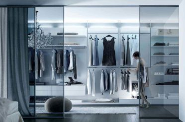 Грамотный и функциональный дизайн гардеробной комнаты