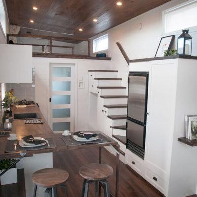 Высокие потолки в интерьере квартиры или дома - фото 6