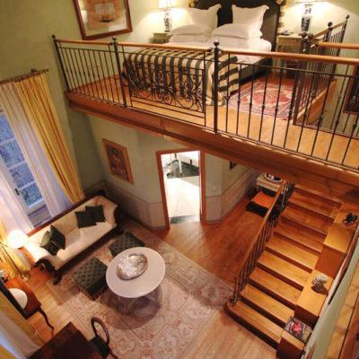 Высокие потолки в интерьере квартиры или дома - фото 11