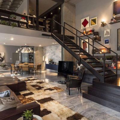 Высокие потолки в интерьере квартиры или дома - фото 20