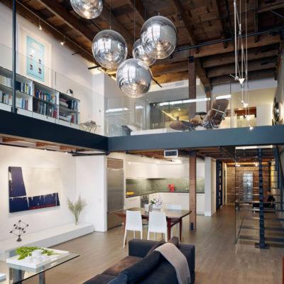 Высокие потолки в интерьере квартиры или дома - фото 24