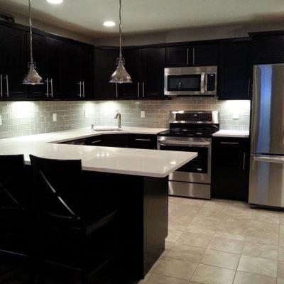 Темный цвет в дизайне кухни