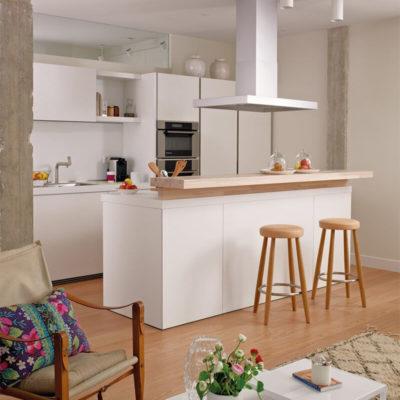 Барная стойка на домашней кухне