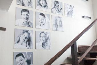 Как красиво разместить фотографии в интерьере