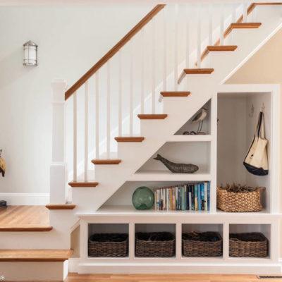 Пространство под лестницей: идеи использования с выгодой - фото 17
