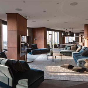"Дизайн интерьера ""Yogo Apartment"" с железным характером by Sergey Makhno Architects"