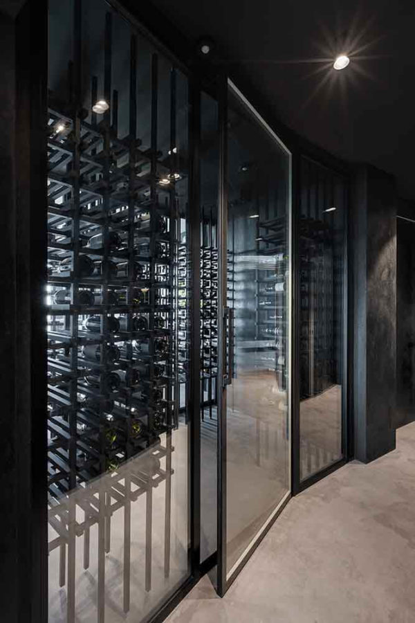 "Дизайн интерьера ""Yogo Apartment"" с железным характером by Sergey Makhno Architects - фото 11"